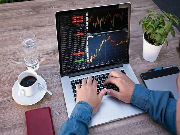 Best Demat Accounts for NRIs (Non-Resident Indians) 2021
